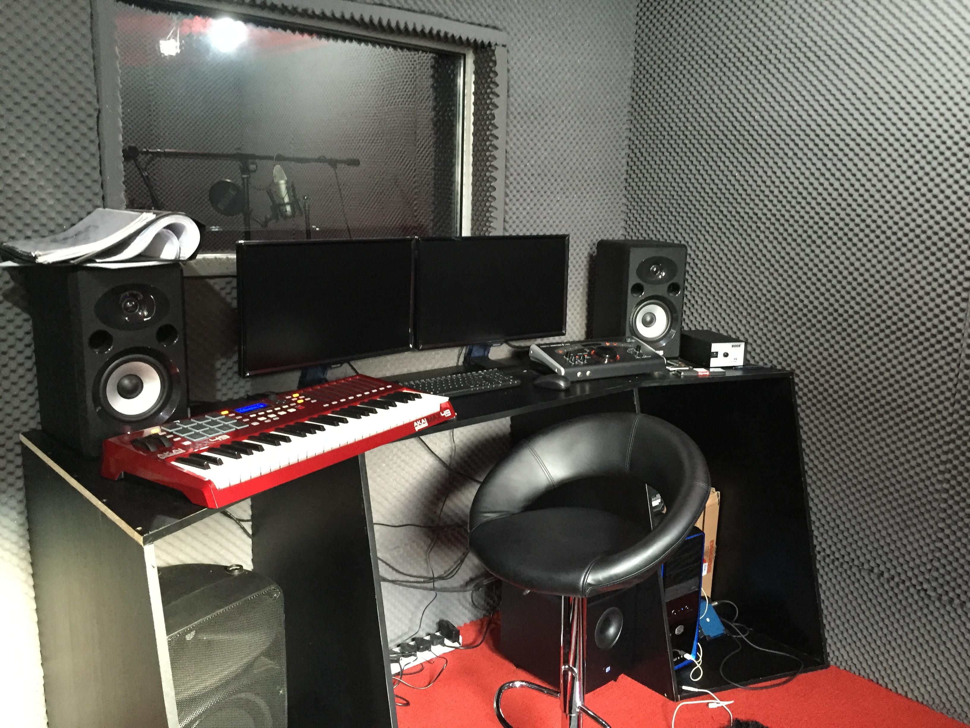 Our Music Production interns in Cape Town, South Africa, work in this fully equipped, modern recording studio.